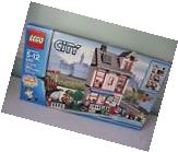 LEGO CITY~CITY HOUSE 8403~RETIRED~NEW IN SEALED BOX~383